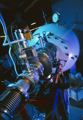Linear accelerator used in AMS for carbon dating