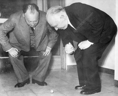 Wolfgang Pauli and Niels Bohr