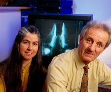 Drs Robert & Jan Knight and bioluminescent piddock