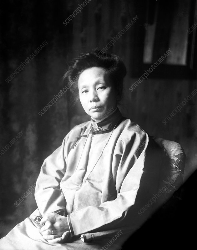 Yamei Kin, Chinese physician