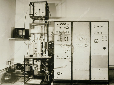 The first Cambridge SEM photographed in 1953