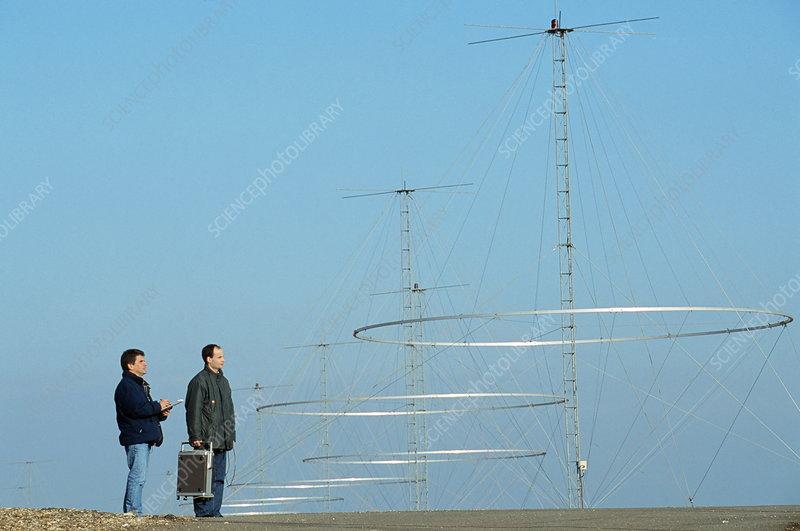 http://www.sciencephoto.com/image/231651/530wm/H8200065-Nostradamus_radar_system-SPL.jpg