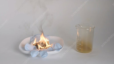 Red fuming nitric acid experiment