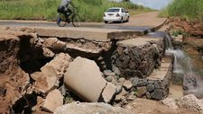 Bridges damaged by flooding, Malawi