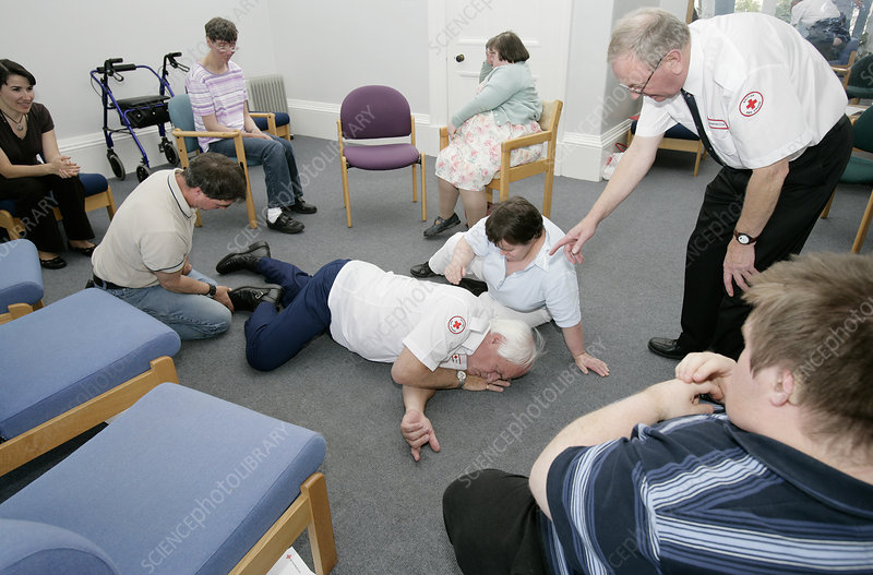 Disabled people learning first aid