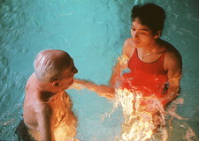 Hydrotherapy for Alzheimer's patient at nursing hm