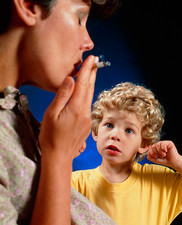 Passive smoking: mother in presence of boy