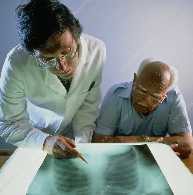 Doctor explains an X-ray