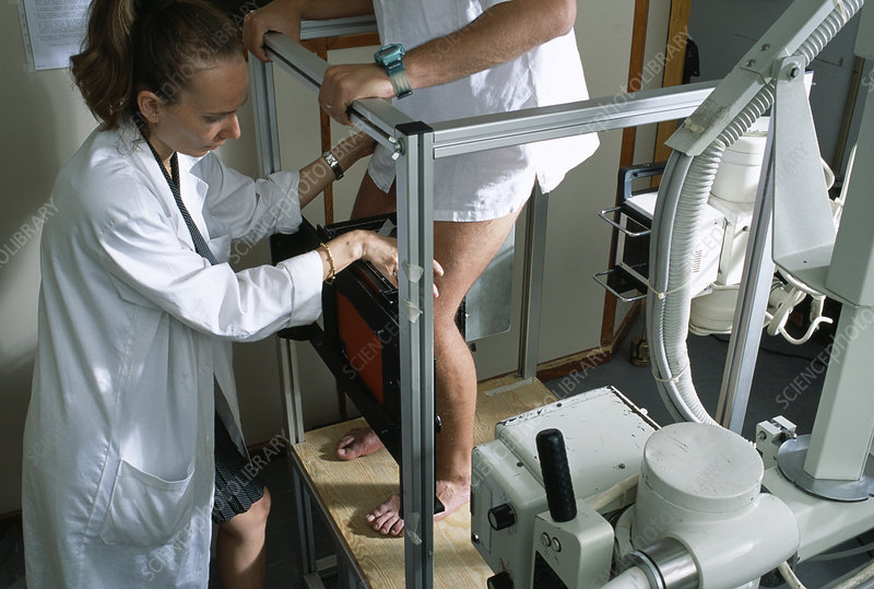 Testing artificial knee