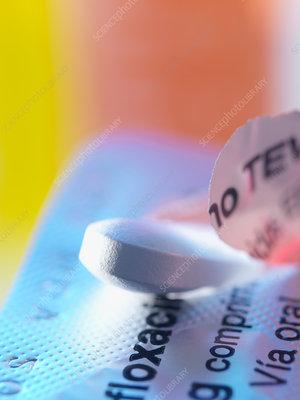 Ciprofloxacin antibiotic pill