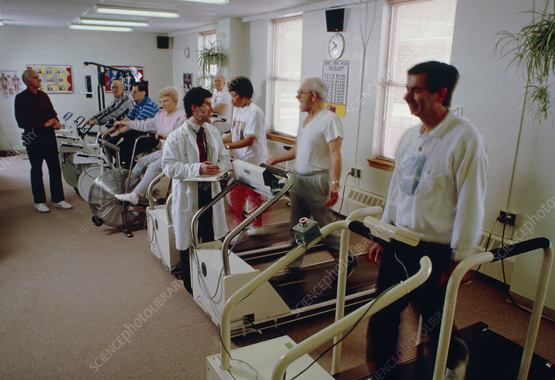 Cardiopulmonary patients exercising with a doctor