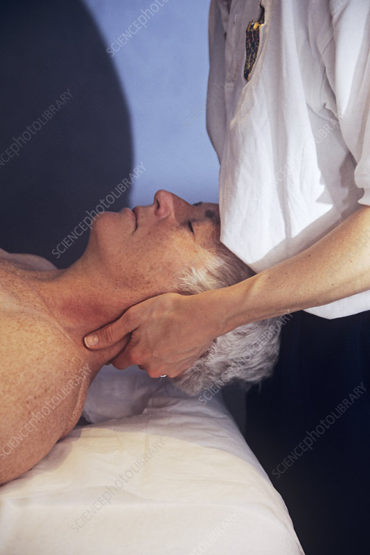 Osteopathic neck treatment