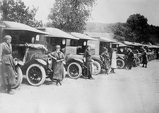British women ambulance drivers, WW1