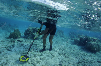 Underwater metal detecting