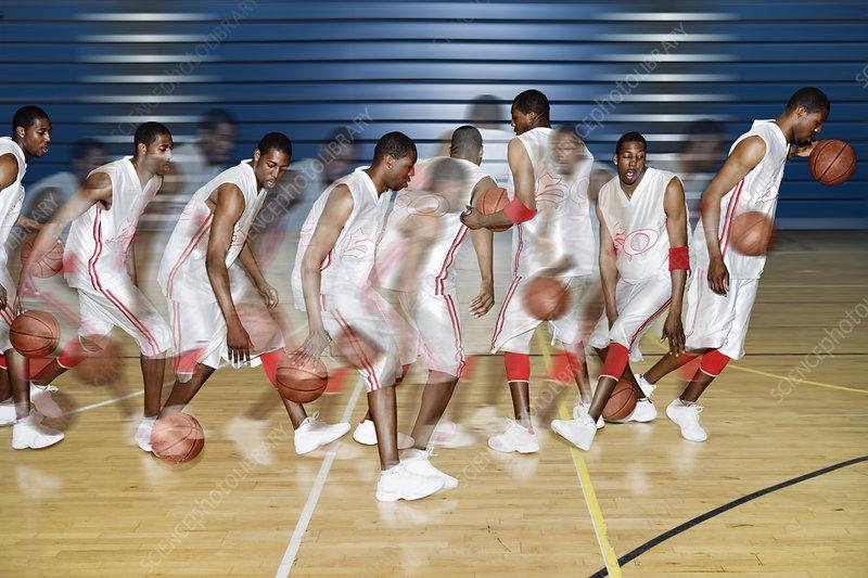 Basketballer dribbling