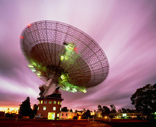 Time-lapse of Parkes radio telescope, Australia