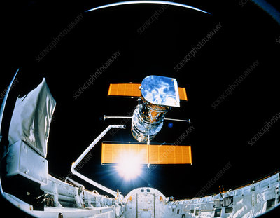 Deployment of Hubble Space Telescope, STS-31