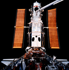 HST after capture at start of servicing, STS-61