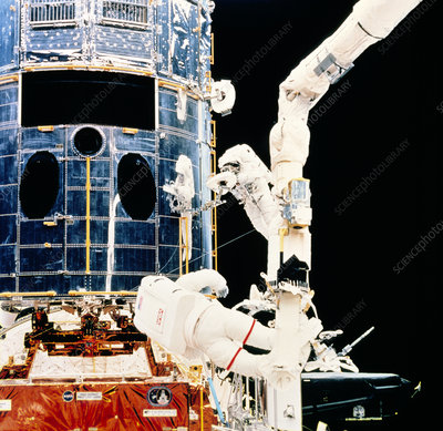 Servicing the Hubble SPace Telescope