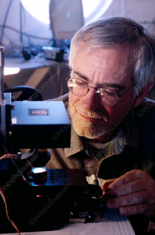 Testing a microscope for use on Mars
