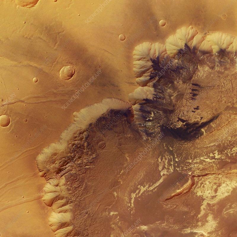 Martian canyon rim, Melas Chasma
