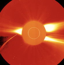 SOHO satellite image of comet near Sun