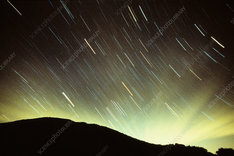 Equatorial star trails with cirrus clouds