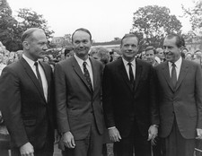 Apollo 11 astronauts with President Nixon