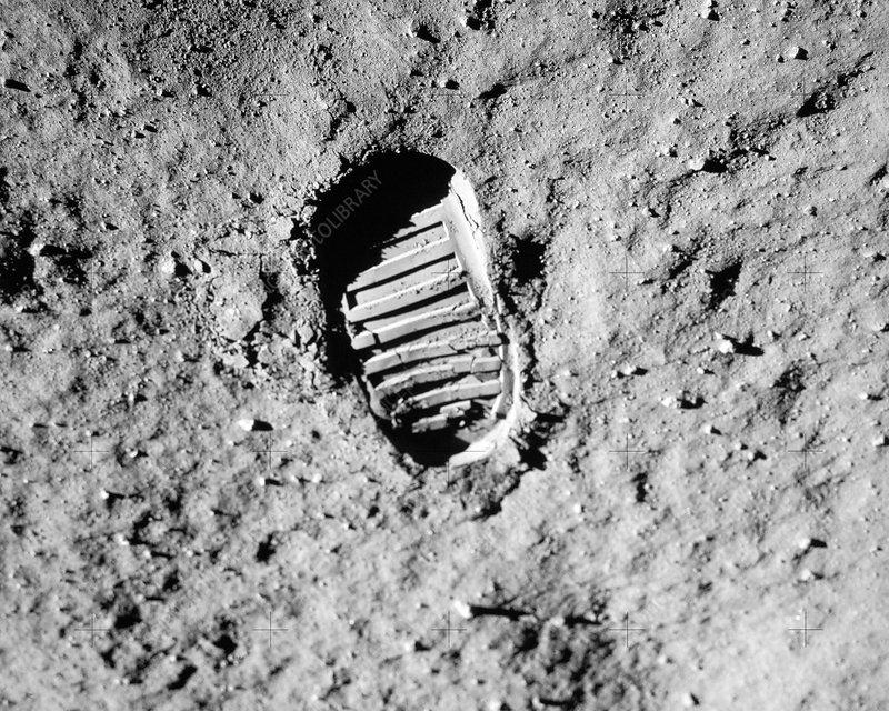 footprint apollo 11 moon - photo #14