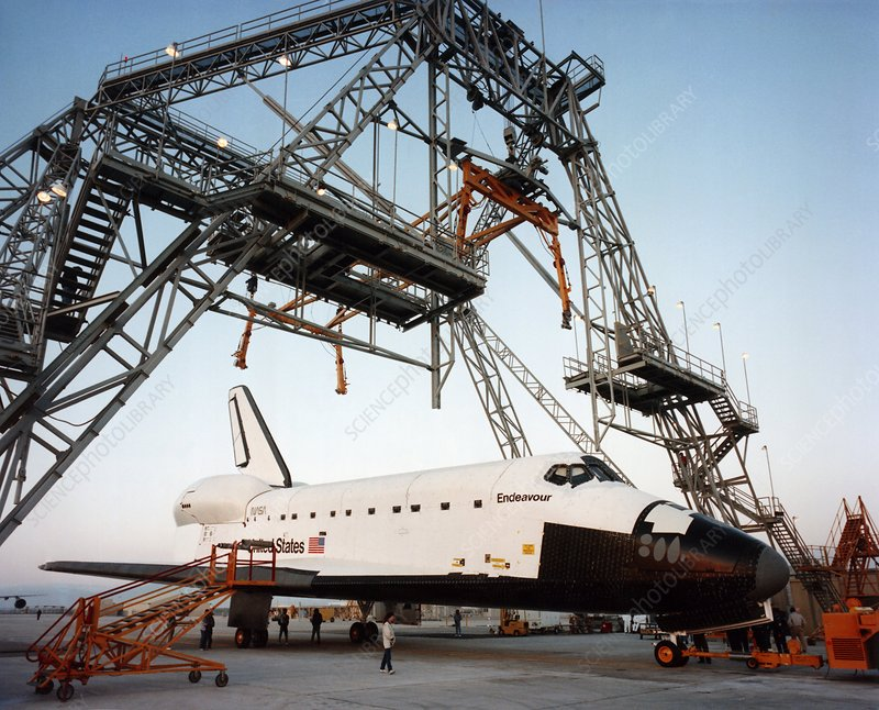 Shuttle Endeavour under lifting frame, Palmdale
