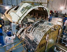 Mating of fuselage and crew compartment, OV-105