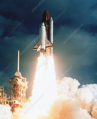 Launch of shuttle STS-31, carrying space telescope