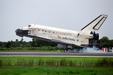 Shuttle mission STS-121 landing, 07/2006