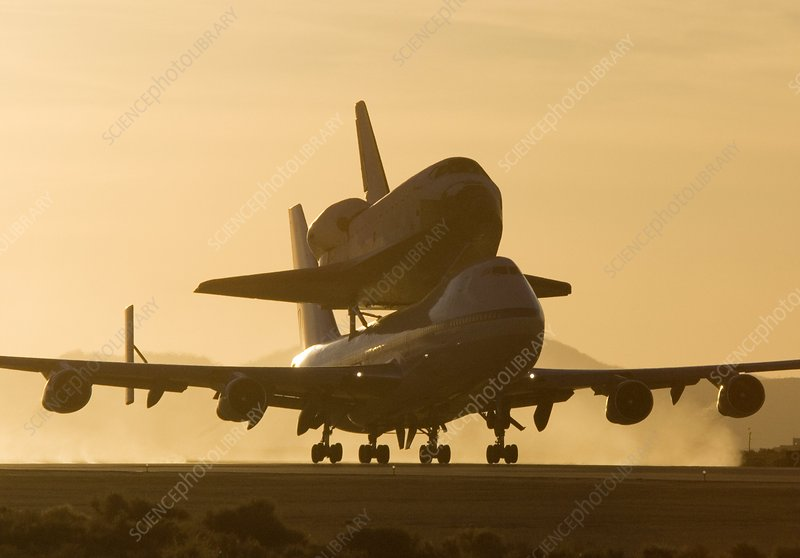 Space shuttle Atlantis on a Boeing 747