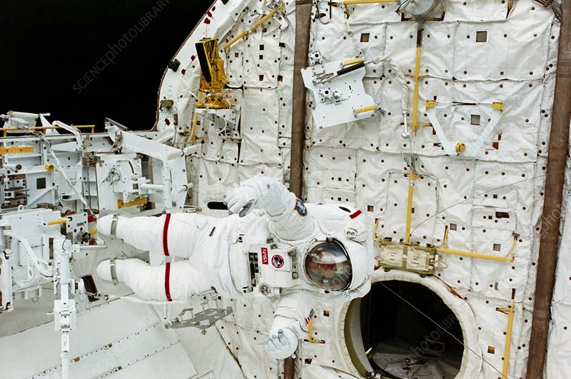 Astronaut Jerry Ross during EVA, Mission STS-37