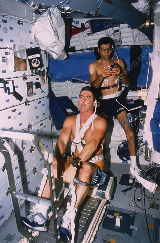 Astronauts Henricks & Runco working out, STS-44