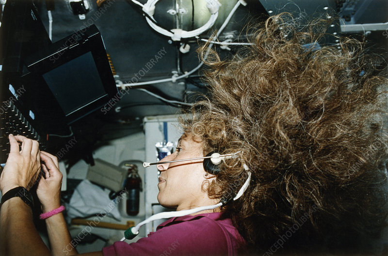 Astronaut Ivins with personal computer, STS-46