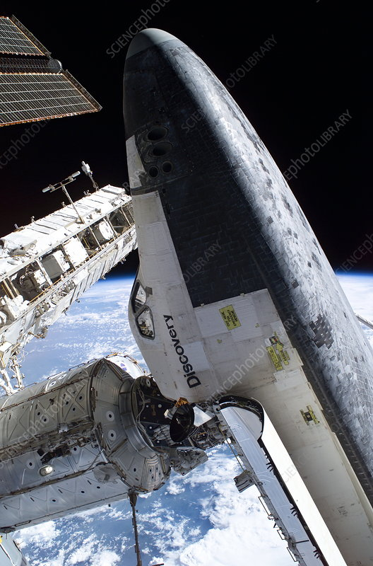 Discovery docked to the ISS, 03/08/2005