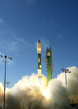 Delta II launching NRO L-21