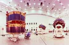 Cluster satellites in test facility, Munich