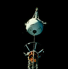 Deployment of TSS-2 tethered satellite, STS-75