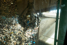 Domestic waste handling at an incinerator