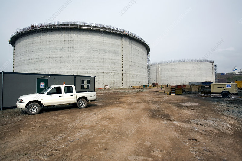 Tanks for storing liquefied natural gas