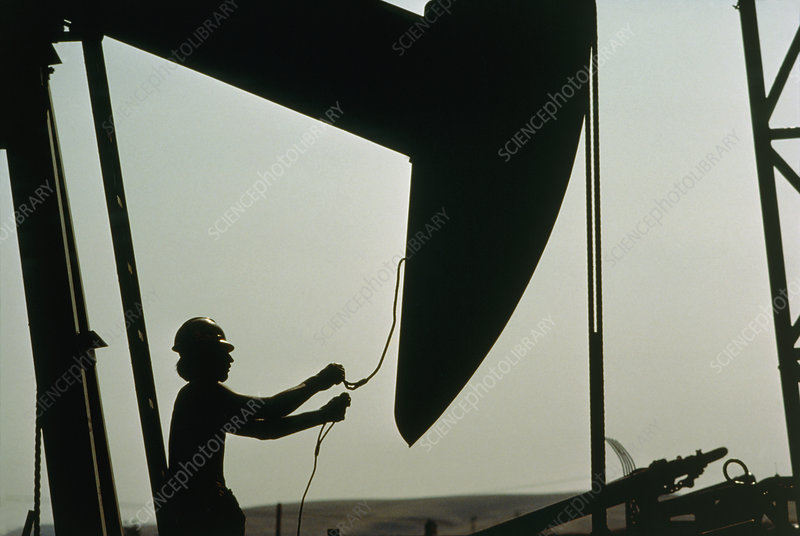 Oil worker with jack pump