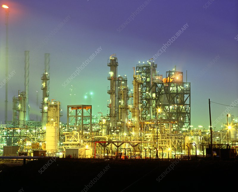 Night view of an oil refinery