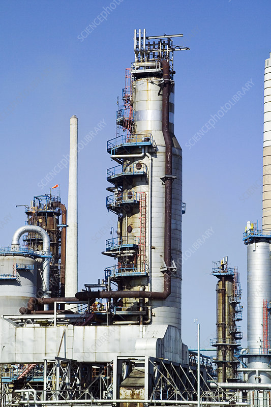Rise Credit >> Atmospheric pipestill at an oil refinery - Stock Image T110/0521 - Science Photo Library