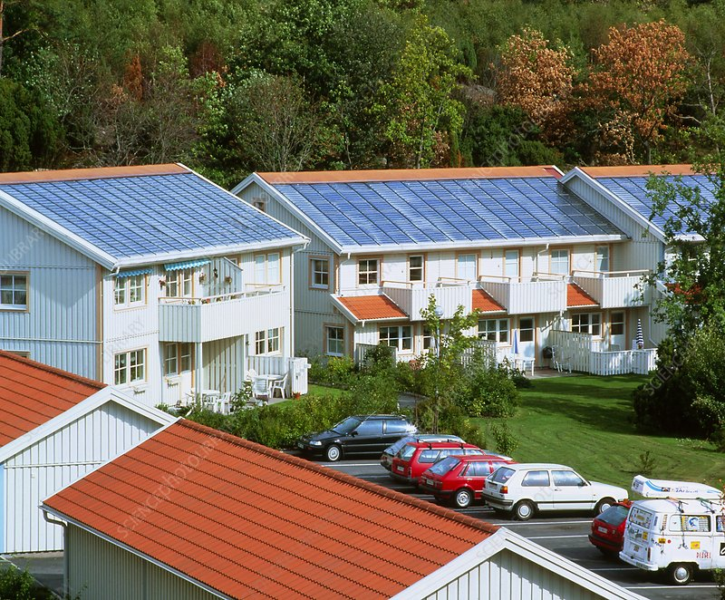 Solar heating and seasonal storage system, Sweden