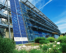 Carbon-neutral building