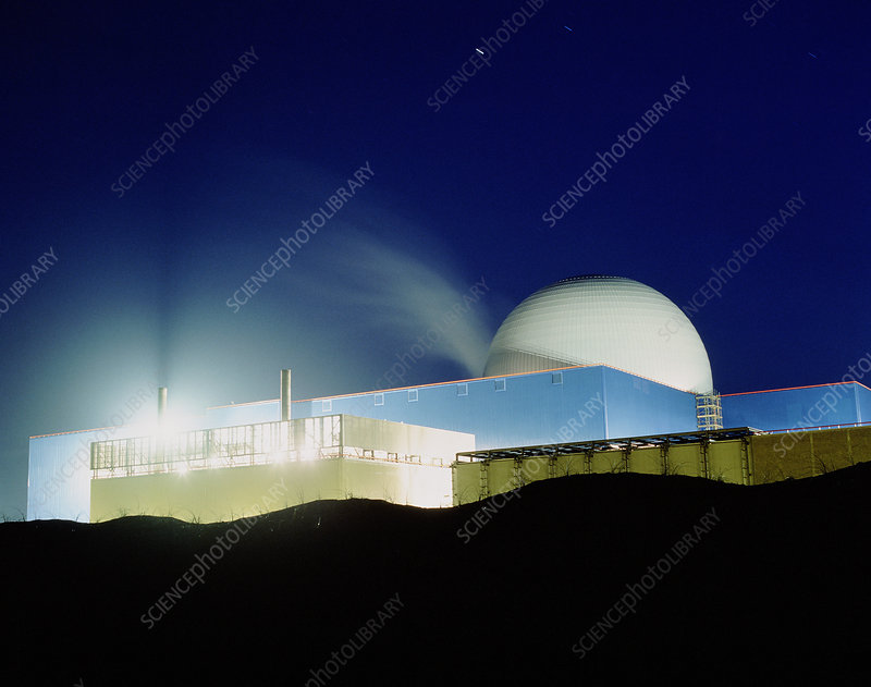 Sizewell 'B' nuclear power station, night