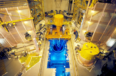 Nuclear reactor, fuel loading